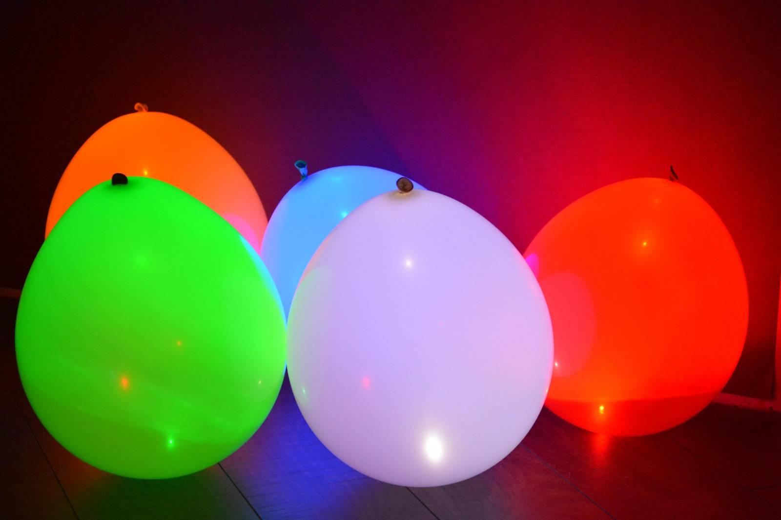 Светящиеся воздушные шары. Как сделать своими руками 15
